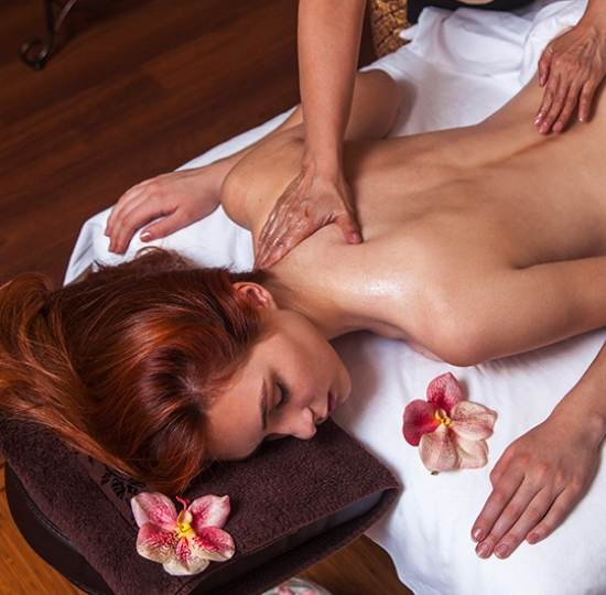 Тайский Арома массаж в четыри руки - массажный SPA салон Royal Thai Spa в Киеве