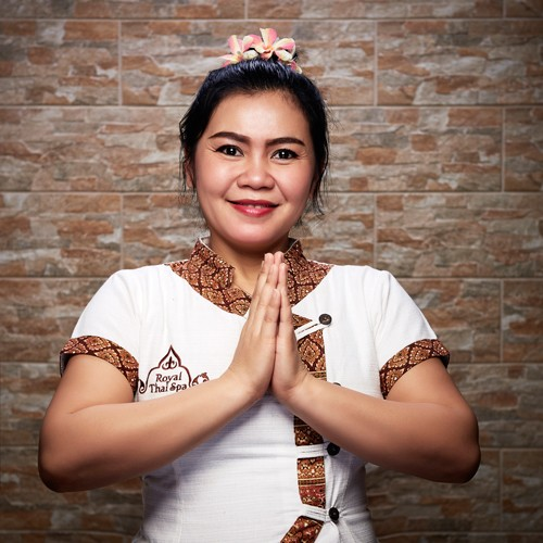 Mun - master of Thai massage - Royal Thai Spa